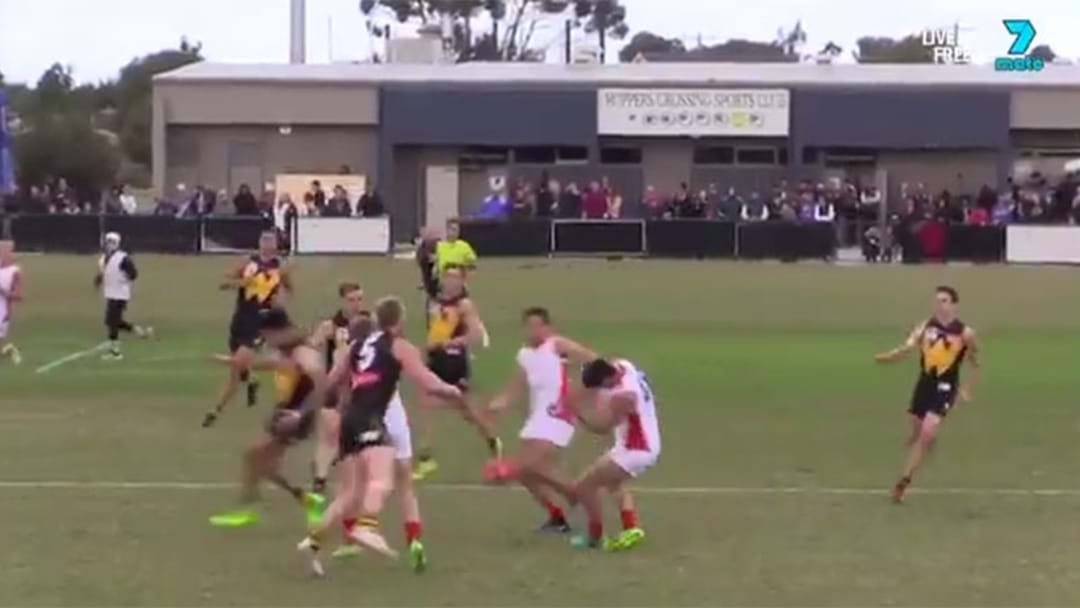 Footage Emerges Of Dramatic Lindsay Thomas Incident In The VFL