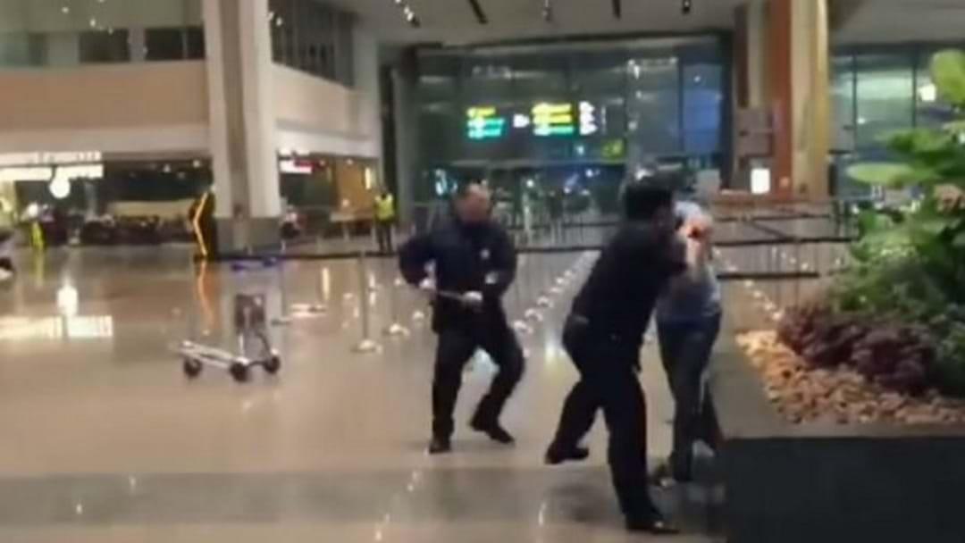"""Aussie Man's """"Drunken"""" Airport Scuffle"""