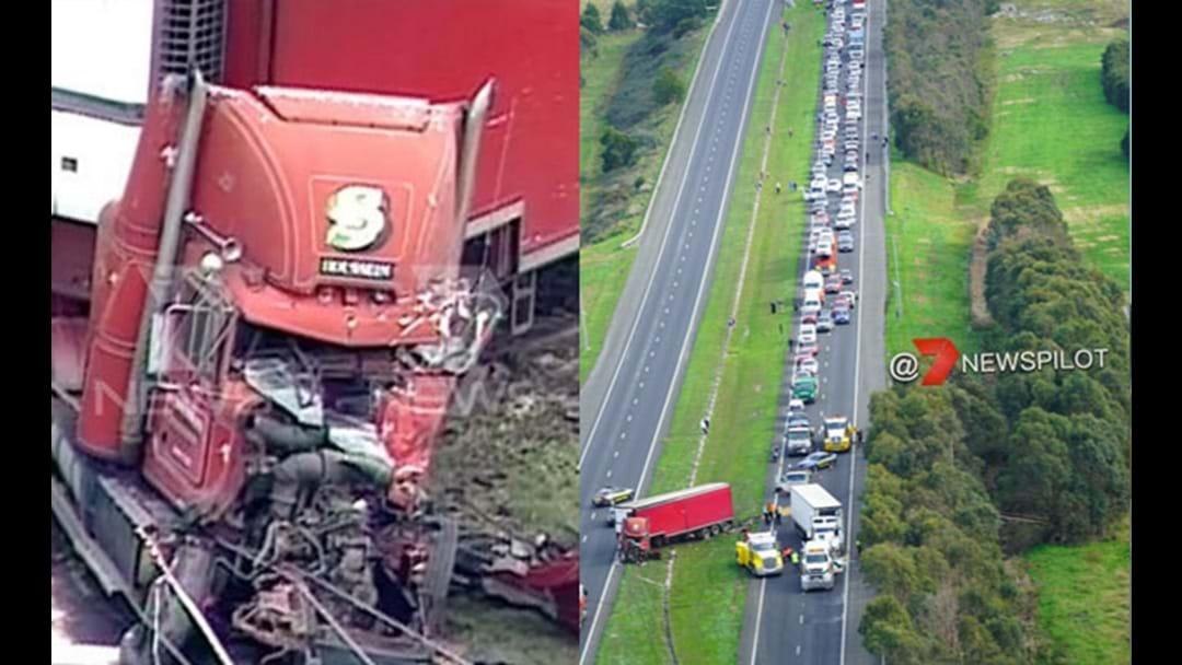Huge Crash On The Princes Freeway