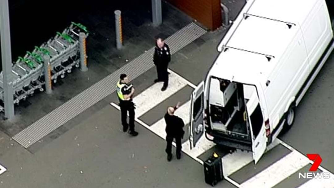 Shoppers Evacuated From A Melbourne Woolworths