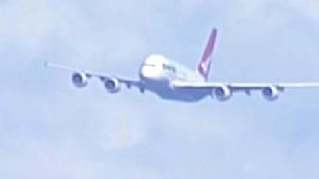 QANTAS A380 Emergency Fuel Dump Over Sydney