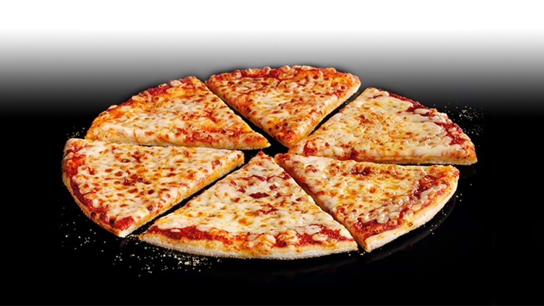 Pizza Hut Is Giving Away FREE PIZZA All Weekend!