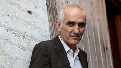Paul Kelly performs new track live