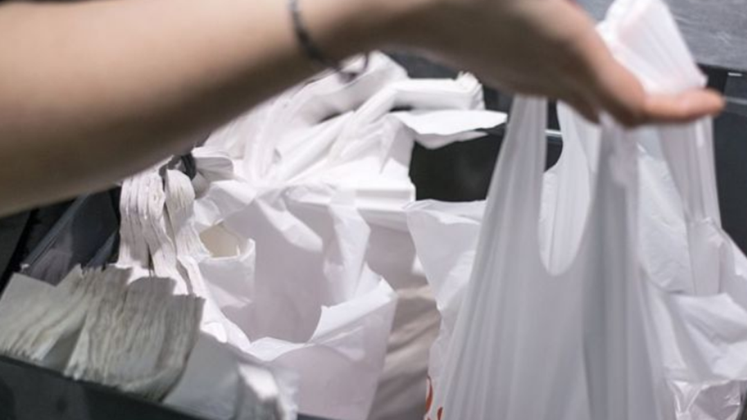 Coles And Woolworths Offering Reward Points For Bringing Your Own Bag