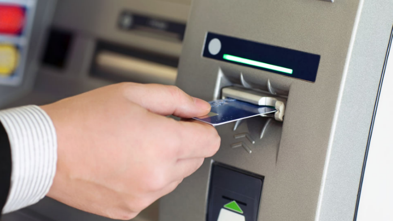 Major banks ditch ATM fees