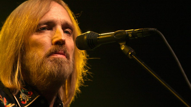 Celebrities React To The Sudden News Of Tom Petty's Death