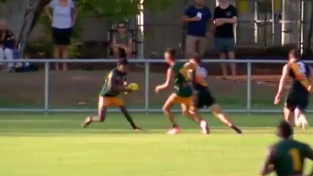 Maurice Rioli Jnr Kicks An Absolute Stunner In The NTFL