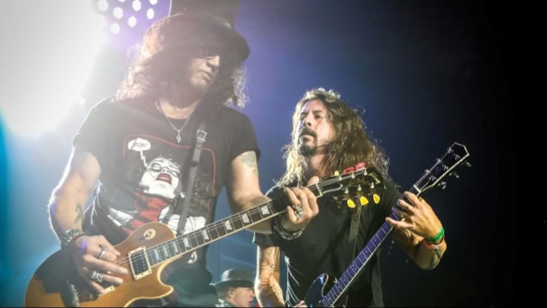 WATCH: Dave Grohl Play Paradise City With Guns N' Roses