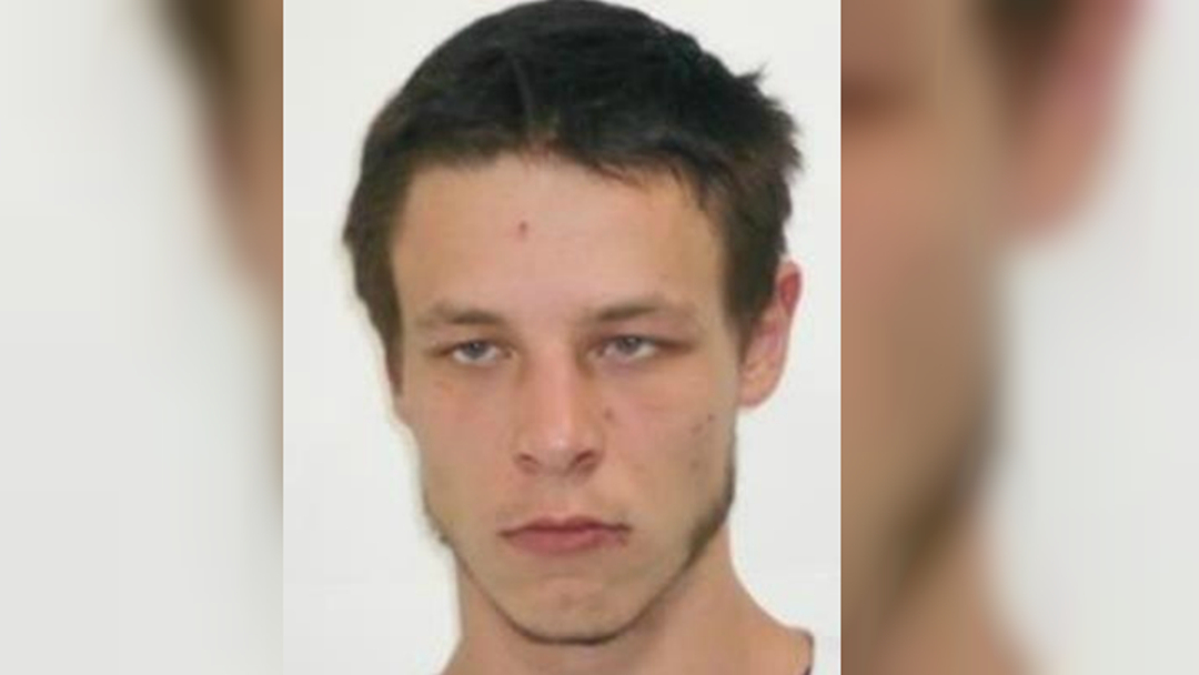 Police Hunt Ringwood East Escapee