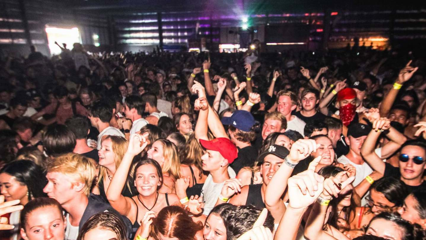 18 arrested on Schoolies night one