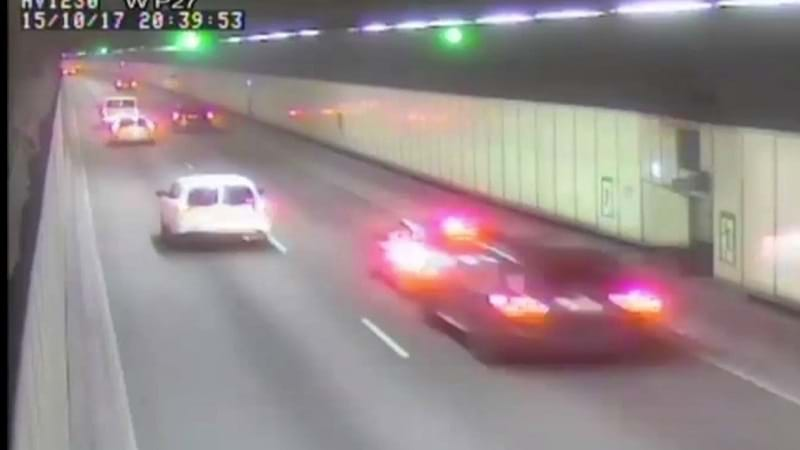 CCTV footage captures high-speed 'road rage' incident in Sydney M5 tunnel