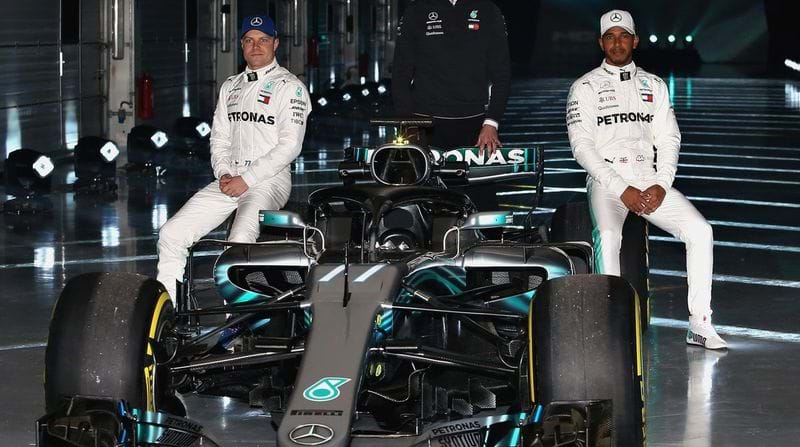 Formula One: Mercedes' Lewis Hamilton hopes for pre-season contract resolution