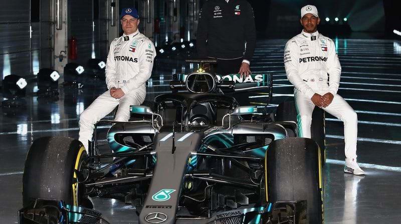 Formula One: Mercedes' Lewis Hamilton hopes for pre-season contract resolution