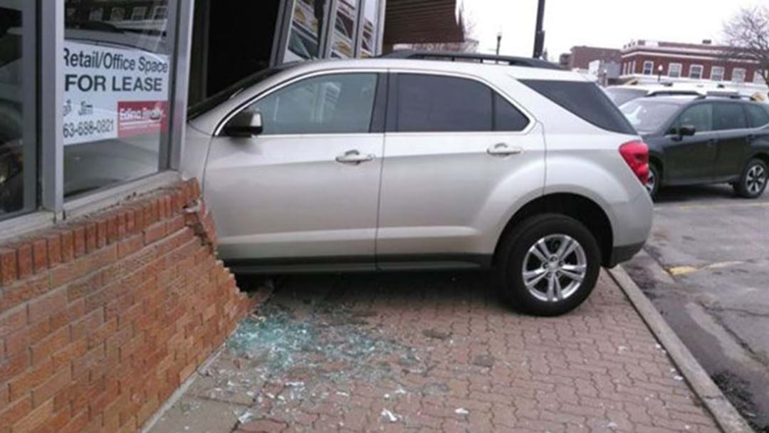 A Teenager In America Failed Her Driving Test After Crashing Into The Test Centre