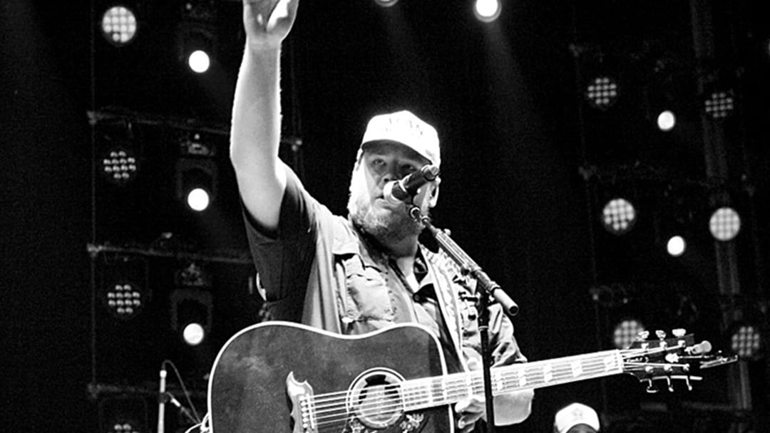 Luke Combs Dominates the Album Sales Charts During Australian Visit