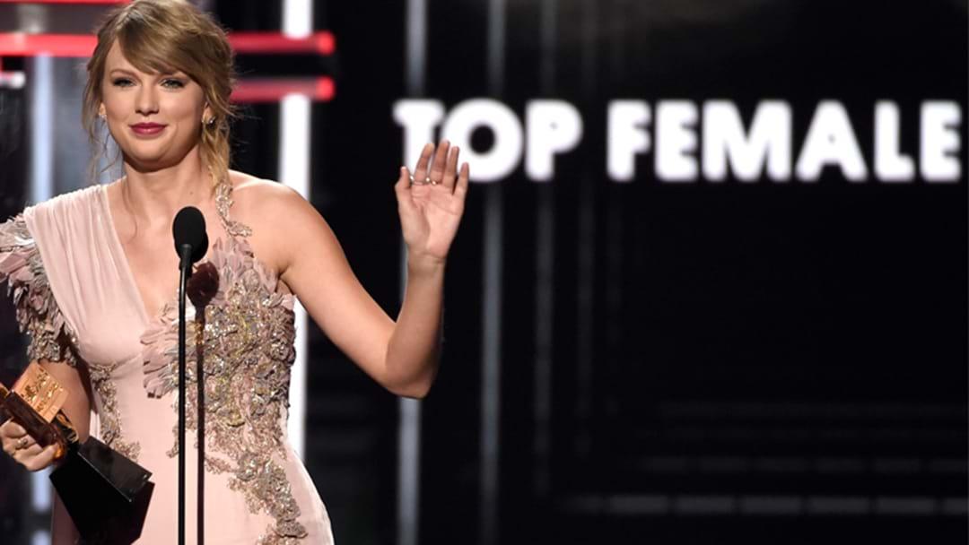 Ed Sheeran And Taylor Swift Go Alright At The Billboard Awards