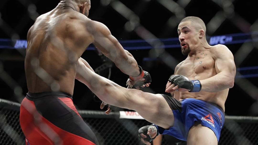 """Robert Whittaker Successfully """"Retains"""" UFC Middleweight Championship By Split Decision"""