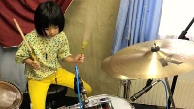 8 Year Old Girl Cover Led Zeppelin On Drums