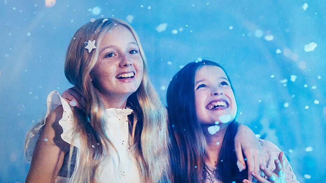 Kids' Dreams Of A White Christmas Become A Reality At Movie World Tonight