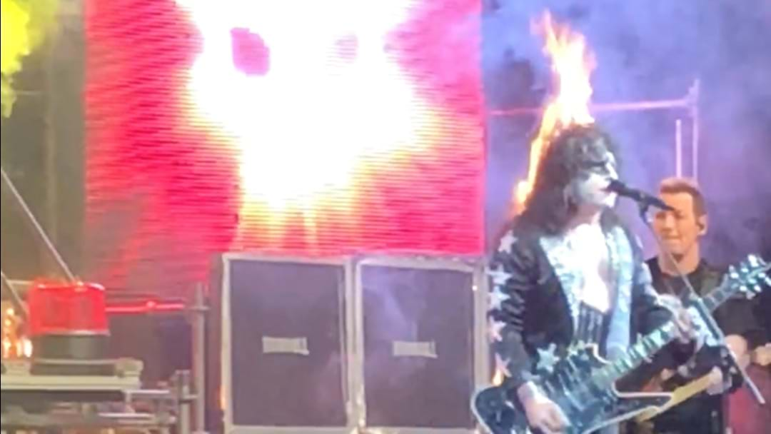 """WATCH: """"Paul Stanley"""" Catch On Fire At KISS Tribute Show And Keep Playing"""