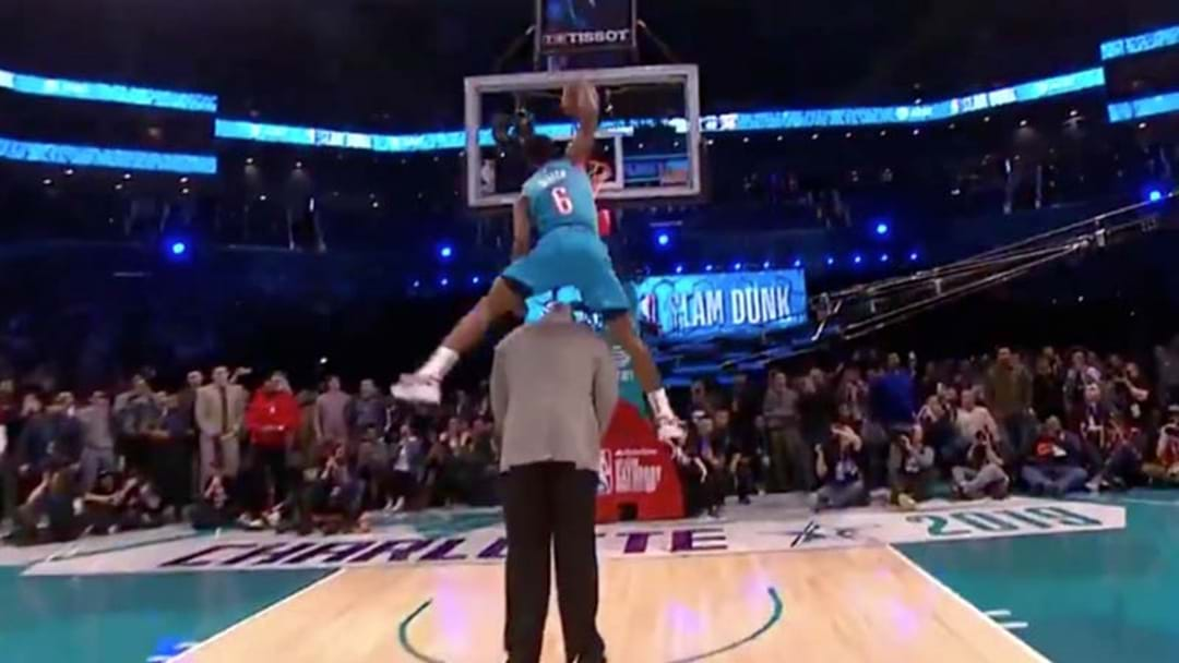 WATCH | NBA Youngster Dunks Over 7ft Shaquille O'Neal To Win Slam Dunk Contest