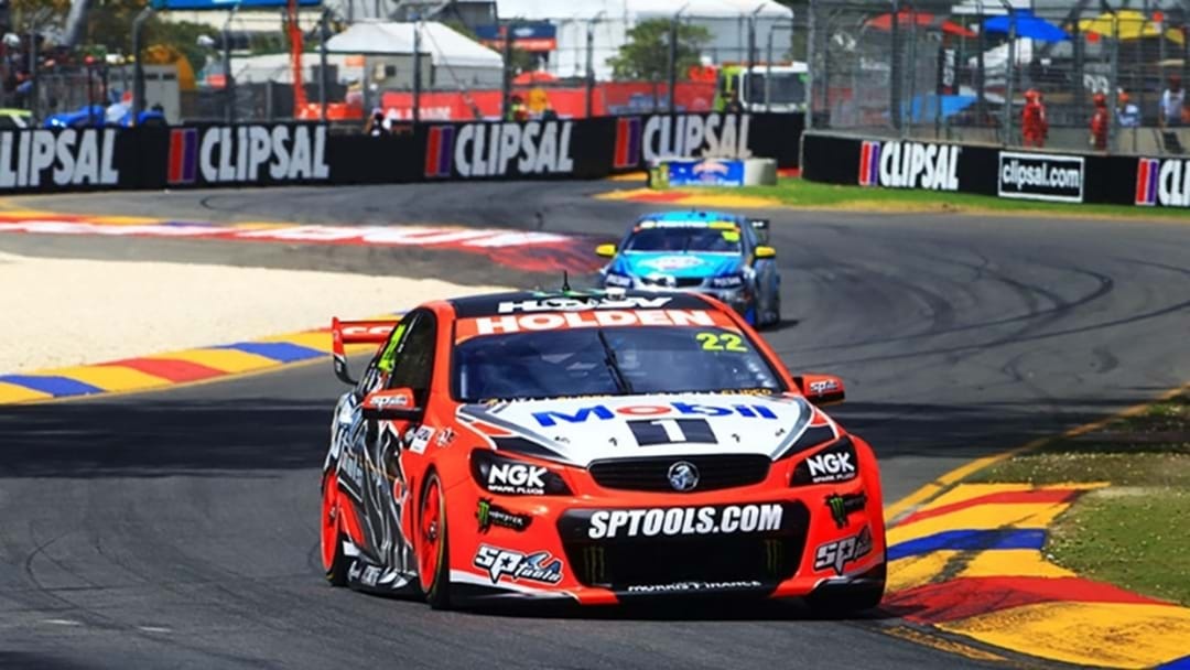 Comedian Akmal Reviews The Clipsal 500