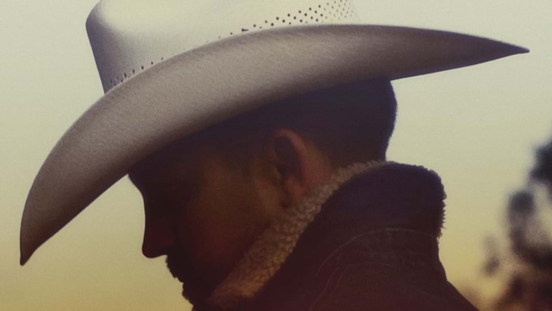 "Justin Moore Defines Tradition on ""Late Nights and Longnecks"""