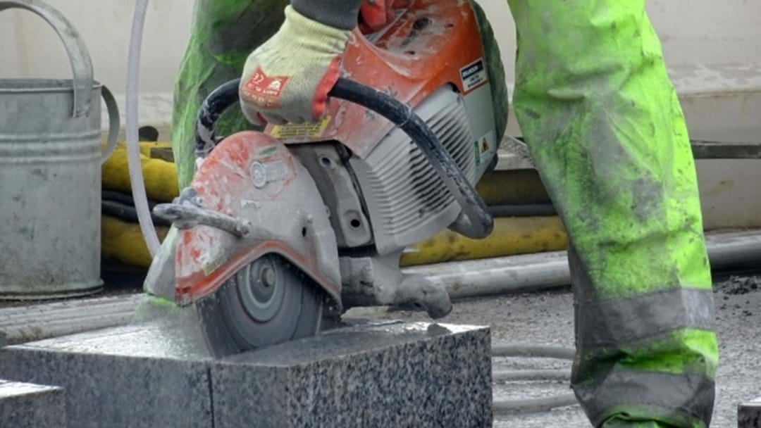 Gold Coast Stonemason Loses Tragic Fight With Silicosis